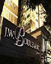 ราคา รามคำแหง เจ ดับบลิว บูเลอวาร์ด ศรีวรา คอนโดมิเนียม  J.W. Boulevard Srivara condominium
